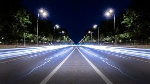 luces carretera noche