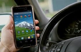 móvil en el coche
