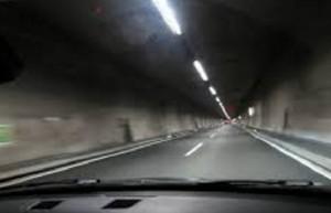 Tunel de noche